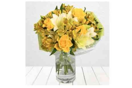iflorist - Mellow Yellow Bouquet - Save 57%