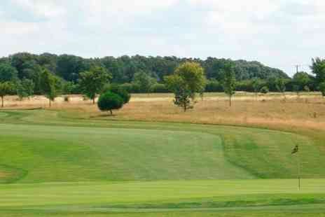 Rutland County Golf Club -  18 Golf  Holes With Bacon Roll and Coffee For Two  - Save 0%