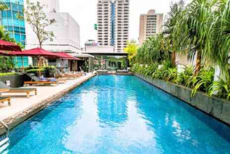 Park Plaza Bangkok Soi 18 - Bangkok Central Hotel Stay with Cocktails  - Save 41%