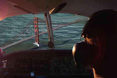 Icarus Simulation - 30 minute flight simulation experience - Save 46%