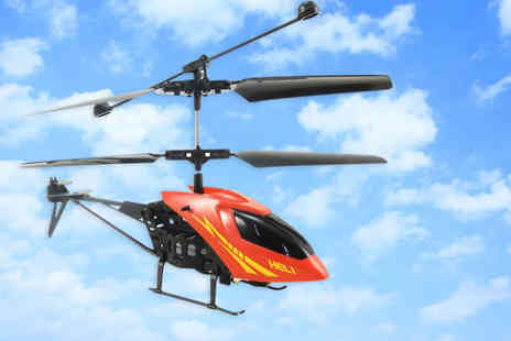 Gizmo Gadgets - Remote controlled helicopter in red or yellow - Save 66%