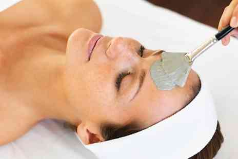 Chelsie Wright - Express Facial and Hopi Ear Candling - Save 0%