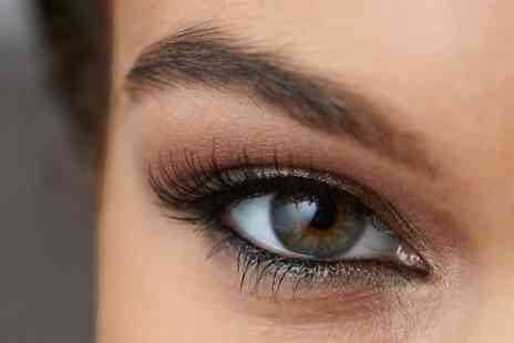 Extremes - Full Set of Lash Extensions With Brow Shaping - Save 68%