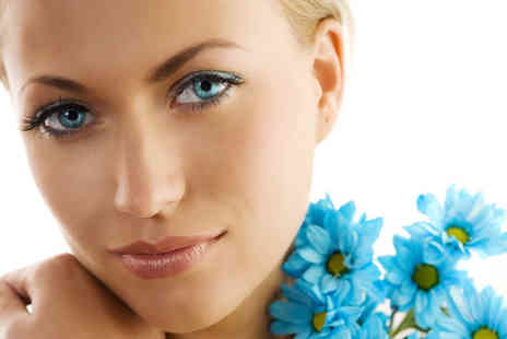 Purple Valentine - 45 minute facial including an eyebrow thread  - Save 53%