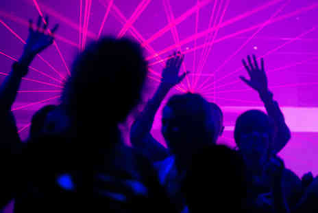 Nights gone wild - London Party Pub Crawl Weekend or Weekday Bar Crawls   - Save 0%