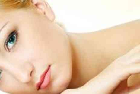 100% Glamour - Three microdermabrasion sessions - Save 74%