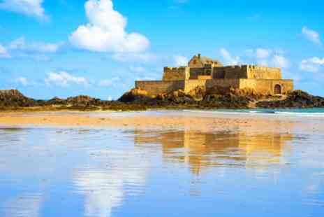 Hotel Eden Saint Malo - Visit the city of pirates for One, Two or Three stay at Hotel Eden in Brittany with breakfast - Save 45%