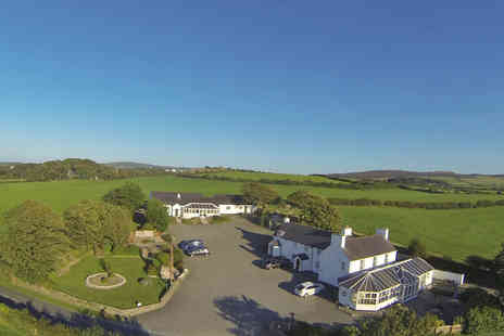 The Lastra Farm Hotel - Anglesey Farmhouse Retreat - Save 0%
