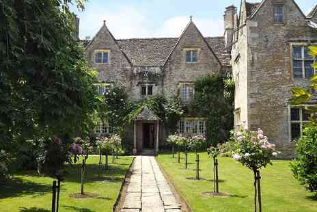 Kelmscott Manor - Entry for Two to Award Winning Kelmscott Manor - Save 48%