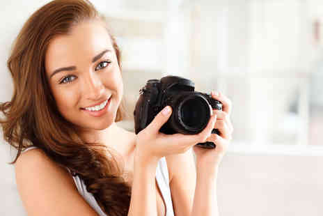 Frui Photography -  3½ hour beginner or three hour intermediate photography course   - Save 68%