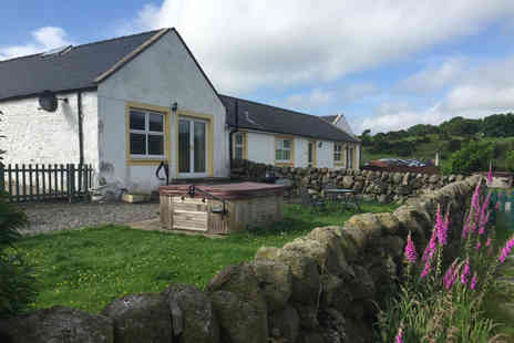 Meiklebob Farming Company   - Two Nights self catered cottage stay for up to 4 - Save 39%