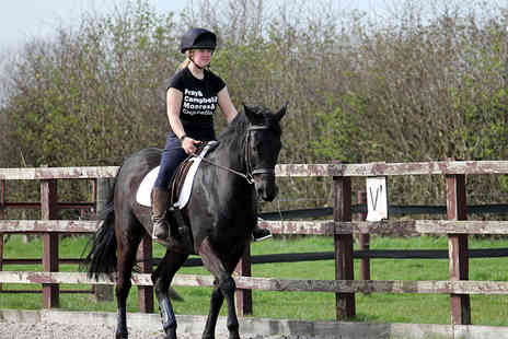 Croft Riding Centre - Kids 30 min horse riding lesson  - Save 54%