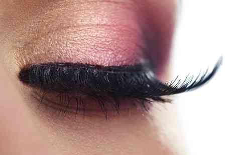 Eden Beauty Academy - Taster Cluster lashes Extension or Brow Shaping Course - Save 0%