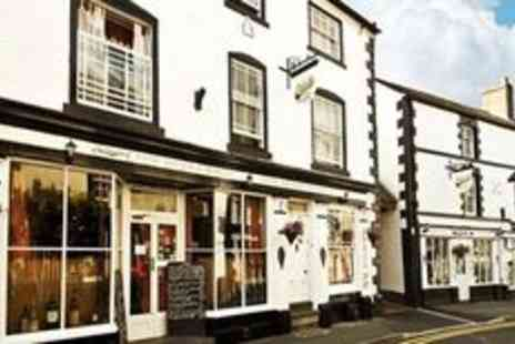Gales of Llangollen - Cosy Llangollen stay with breakfast and wine tasting - Save 0%