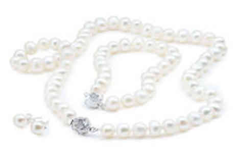 Cartres - Freshwater pearl set in choice of colours plus delivery - Save 0%