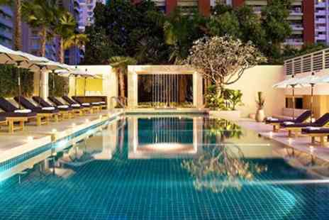 Courtyard by Marriott Bangkok - Overnight in Bangkok Central 4Star Hotel Stay with Breakfast - Save 37%