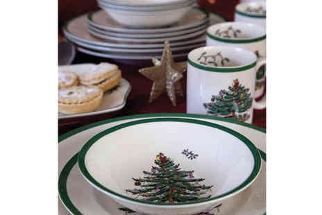 Park Promotions - Spode Christmas Tree 16 piece Dinner Service - Save 60%