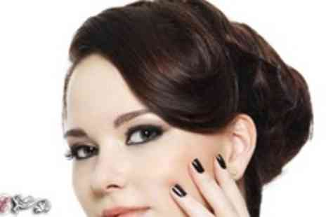 Essentials Beauty Studio - Shellac manicure and lash extensions - Save 58%
