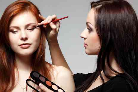 ShafShafra Specialize - One Day Make Up Masterclass for One - Save 0%