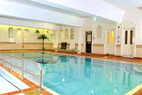 The Queens Hotel & Spa - One Night stay For 2 With Breakfast, Winter Pimms Mince Pie, Leisure and Spa Access - Save 0%