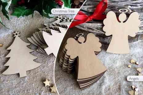E Smartshop - Ten wooden Christmas tree decorations  - Save 73%