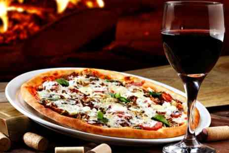The Town House Bar - Pizza and Wine for Two - Save 41%