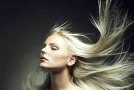 Linda Petterson @ City Beach - Cut and blow dry - Save 60%