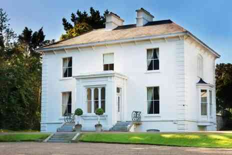 Rosedale House - One or Two Night Luxury Stay For Up to Ten with Private Entertainment Room - Save 0%