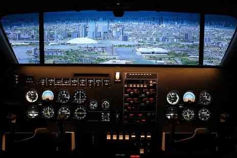 Icarus Simulation - 30 Minute Junior Pilot Taster or Up to 60 Minute Flight Simulator Experience  - Save 40%