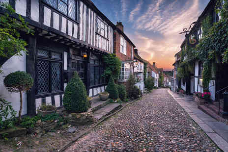 Rye Lodge Hotel - Overnight stay for two with spa access, breakfast, a bottle of Prosecco and late checkout - Save 50%