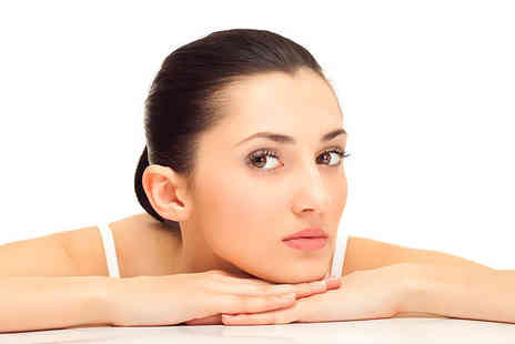 Rosebud Beauty - £7.50 for a 40 minute full facial and full facial threading worth £25 � save 70%