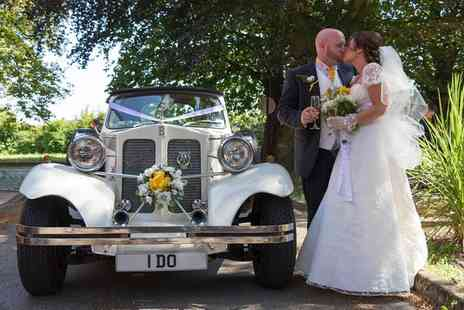 LM Photography - Wedding Photography Package with Digital Images  - Save 57%