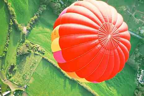 Ballooning In The Cotswolds - Flight For Two With Champagne  - Save 43%