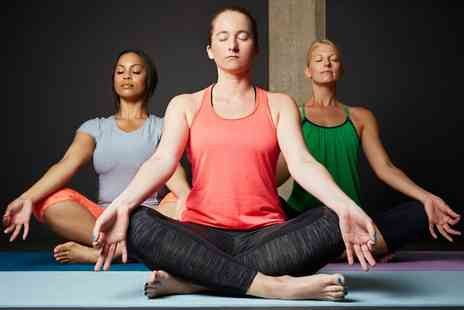 Move GB - Ten Sessions of Yoga - Save 80%