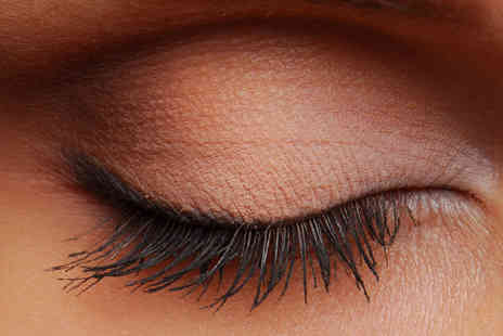 Dew Beauty - Eyelash Tinting - Save 70%