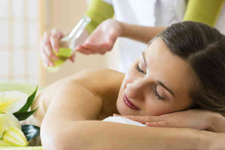 elan Beauty and Holistic Therapies - Full body aromatherapy massage - Save 53%