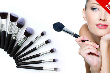 FillMyShelves - Ten Piece Kabuki Makeup Brush Set - Save 75%