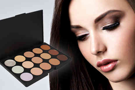Forever Cosmetics - Miss Pouty 15 Piece Concealer and Contour Palette - Save 80%