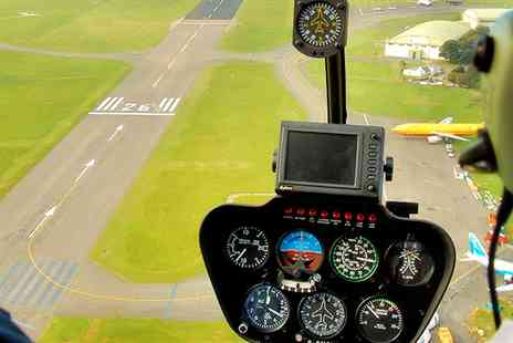 Paul D White - 30 minute helicopter flying experience - Save 56%