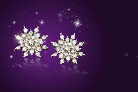 Alvi's Fashion - Pair of snowflake stud earrings made with Swarovski Elements - Save 90%