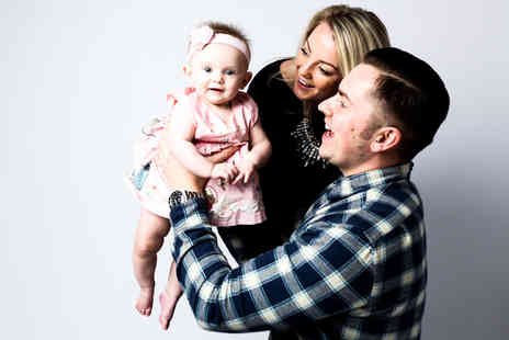 "Moda Studios - Family photoshoot package including refreshments and five 10"" x 8"" prints   - Save 94%"