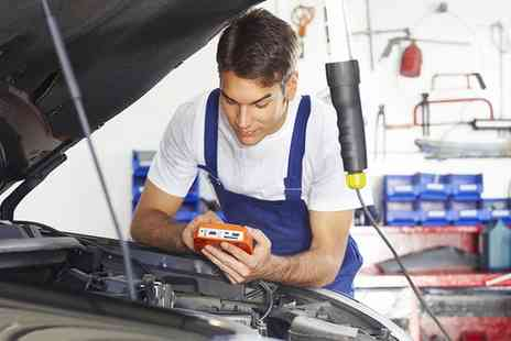 Autosolutions Denton - MOT Test - Save 40%
