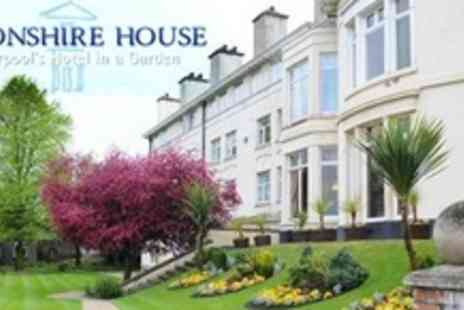 Devonshire House - Three Course Mothers Day Lunch and Cabaret For Child - Save 50%