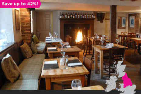 White Horse & Griffin - Two Night Stay for Two in a Double Room with Full English Breakfast - Save 42%