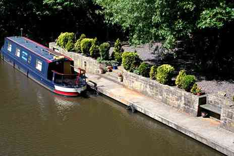 Water Babies Narrowboat Hire - Full Day of Narrowboating with a Picnic Lunch and Training for Up to Five   - Save 0%