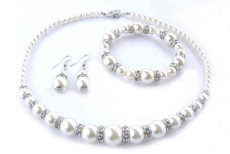 Freemind Media - Faux Pearl and Crystal Bead Trio Set - Save 0%