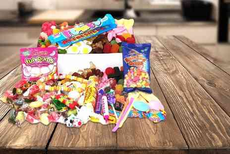 Chewbz - 1.5kg retro sweet hamper containing over 40 varieties - Save 72%