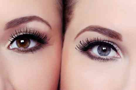 LuLus Beauty Nails Relaxation - Semi Permanent Top or Bottom Eyeliner Make Up   - Save 0%
