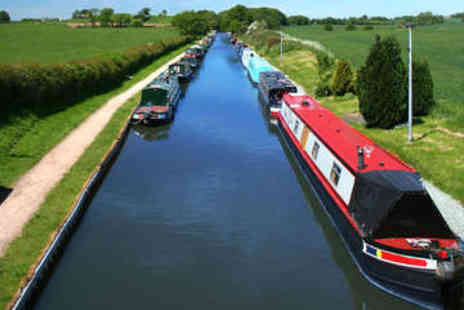 Evie Day Boat Hire - Narrow Boat Day Hire - Save 51%