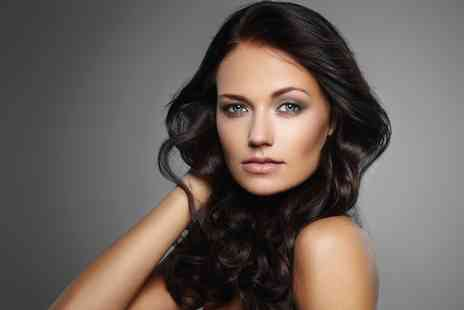 La Chic Hair Beauty - Six Sessions of IPL Hair Removal  - Save 79%